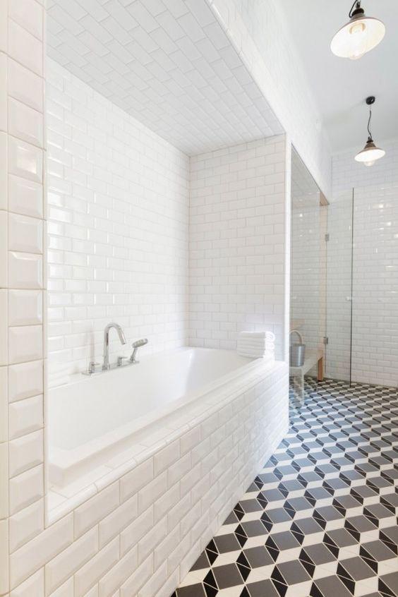 metro-blanc-murs-sol-trompe-loeil