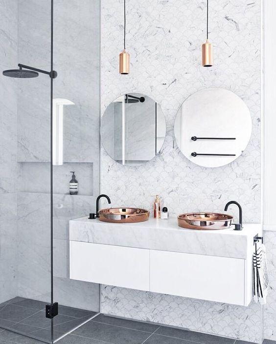Salle-de-bain-double-miroirs-ronds