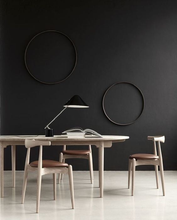 black-living-vintage-chairs