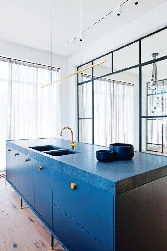 LM Interieur- cuisine bleue et doré