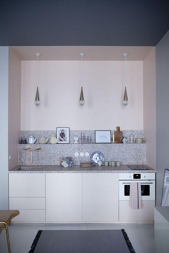 LM Interieur - cuisine rose et granito
