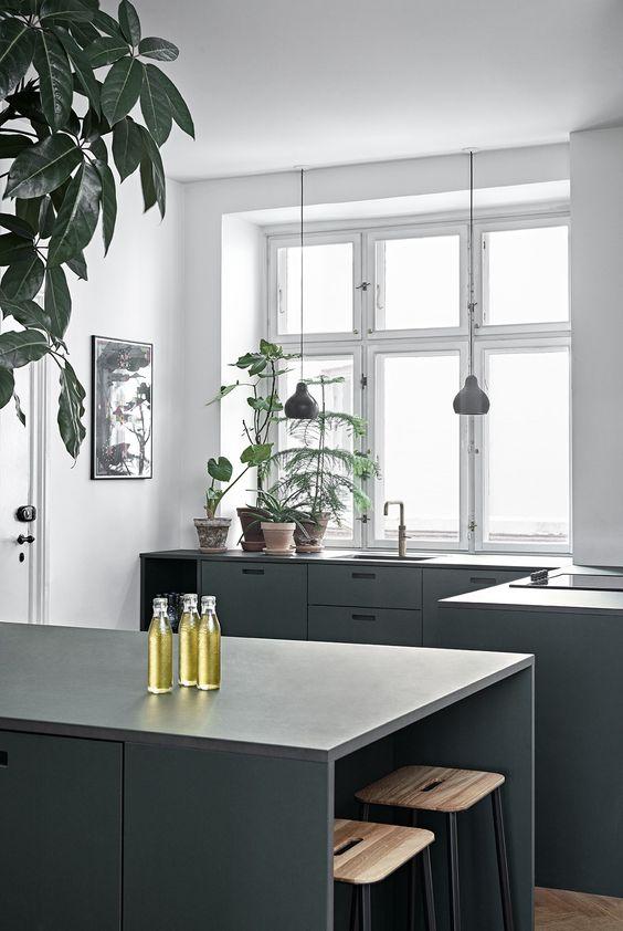 LM Interieur - green & white kitchen
