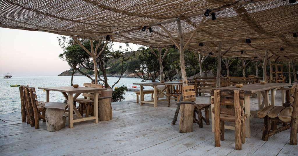 LM-Interieur-hotel-de-reve-Misincu-terrasse-mer
