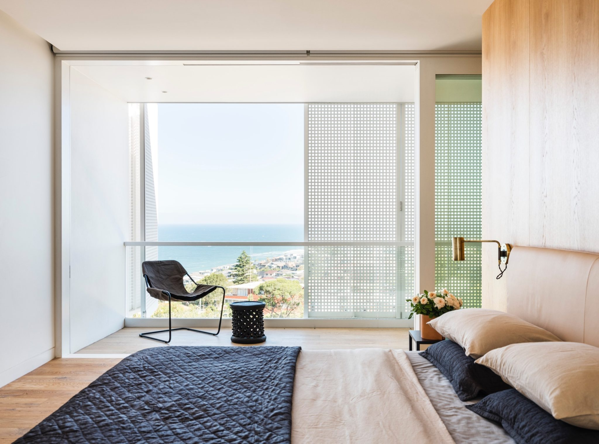 Coogee House by Madeleine Blanchfield Architects - Chambre avec vue