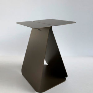 table d'appoint asymétrique bronze
